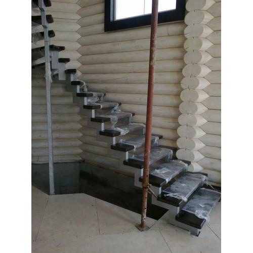 Лестница из дуба - ЛМВ-003