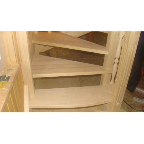 Лестница из сосны - ЛГД-001
